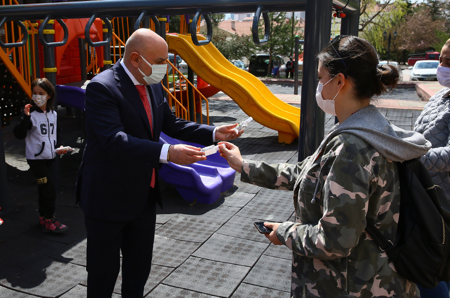 Mayor Altınok: Our municipality is the first one to produce masks, disinfectants and cologne