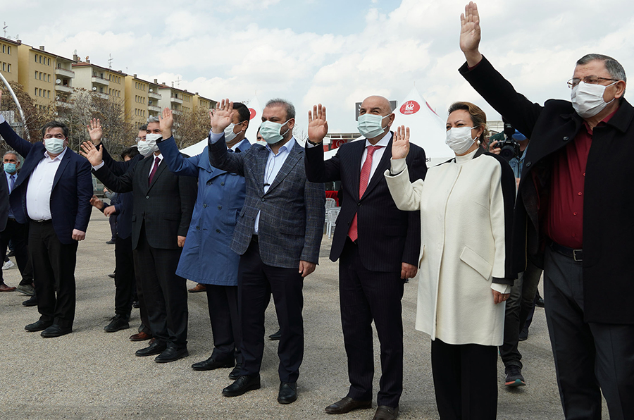 Mayor Altınok: Our people send their hearts to our brothers