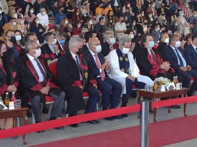Başkan Altınok söz verdi, yeni mezun 3 genç işe başladı
