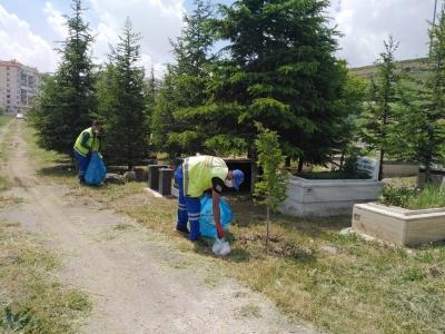 Keçiören'deki mezarlıklarda detaylı temizlik yapıldı
