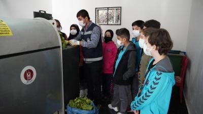 Keçiören'deki öğrenciler 'Geri Dönüşümü Öğreniyor'