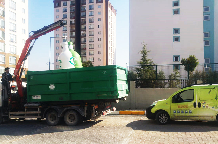 1,486 tons of waste glass was collected in one year in Keçiören