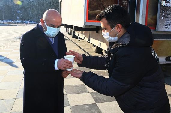 Başkan Altınok'tan gönülleri ısıtan çorba ikramı