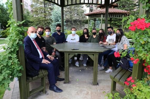Başkan Altınok'tan üniversite öğrencilerine müjde!