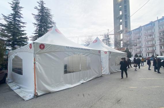 Keçiören Belediyesinden hastanelere ısıtıcılı bekleme çadırı