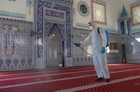 Keçiören'de cami ve mezarlıklar kurban bayramına hazır