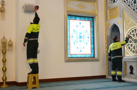Keçiören'deki ibadethaneler 2021'e daha temiz girdi